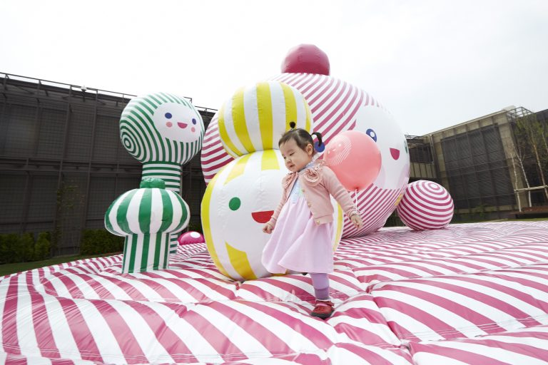 """""""Happy Gift"""" in  Seoul Korea Commissioned Installation, 2013"""